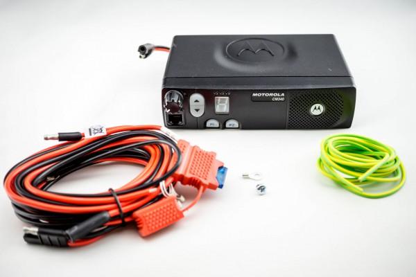 Motorola CM340 MFG UHF2 10K 438-470 MHz + Batteriekabel